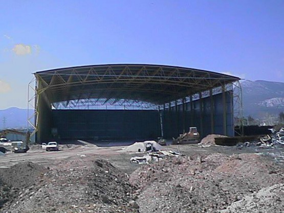 Construction of space frame hangar
